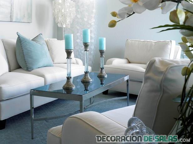 sofás blancos con azul