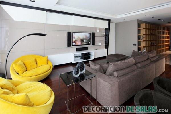 sofás individuales en amarillo