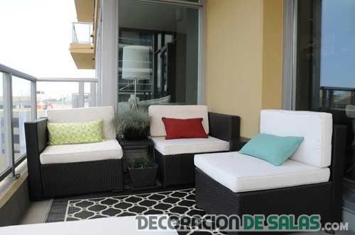 sofás para decorar balcones