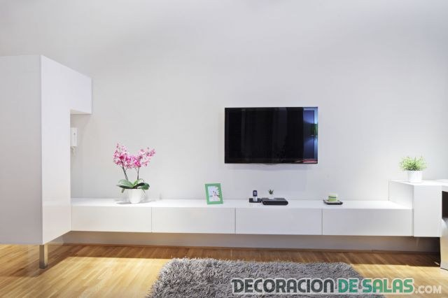 televisión en la pared para salones