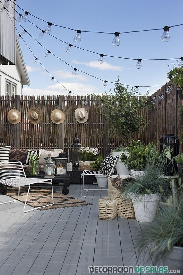 terraza adornada con estilo natural