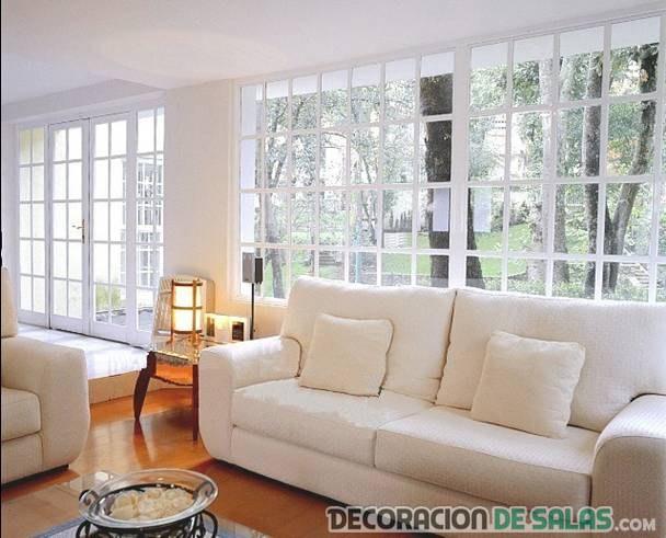 ventanas con pequeños ventanales