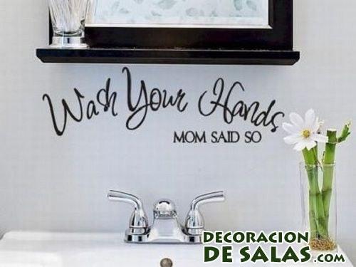 vinilo con letras en baños