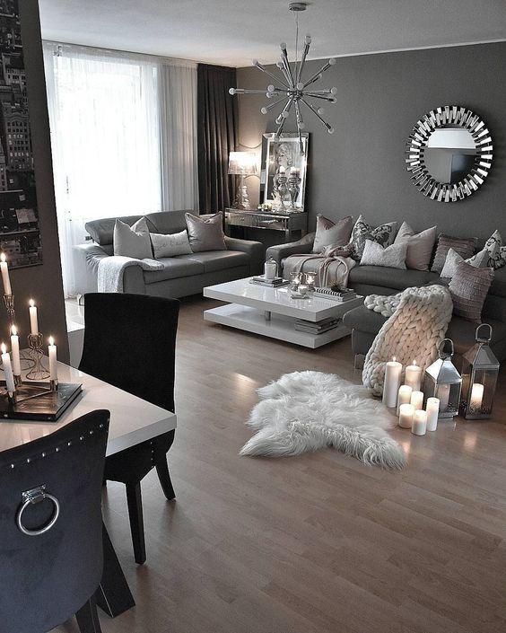 ¿Cómo lograr una decoración de interiores con color dorado y plateado?