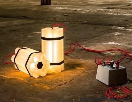 Una lámpara con forma de bomba