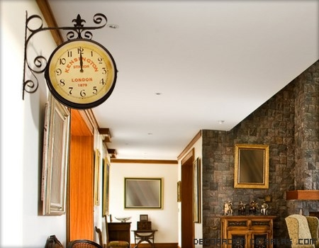 Decoración con relojes estación