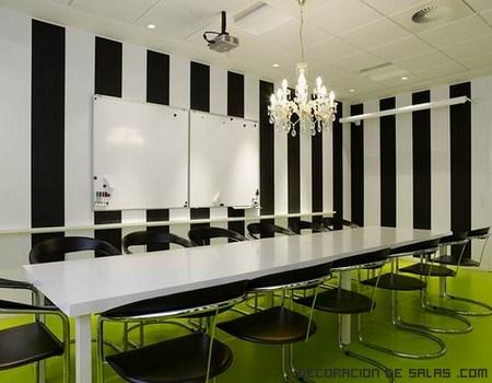 Decora una sala de reuniones