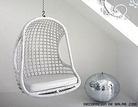 Decora tu rincón favorito con una silla colgante