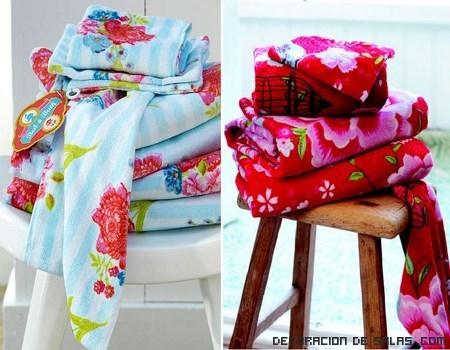 Decora tu baño con toallas de color