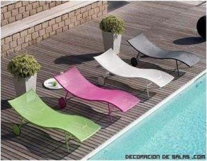 Viste tu terraza con tumbonas a todo color