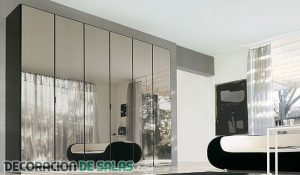 Muebles de espejo para decorar tu hogar