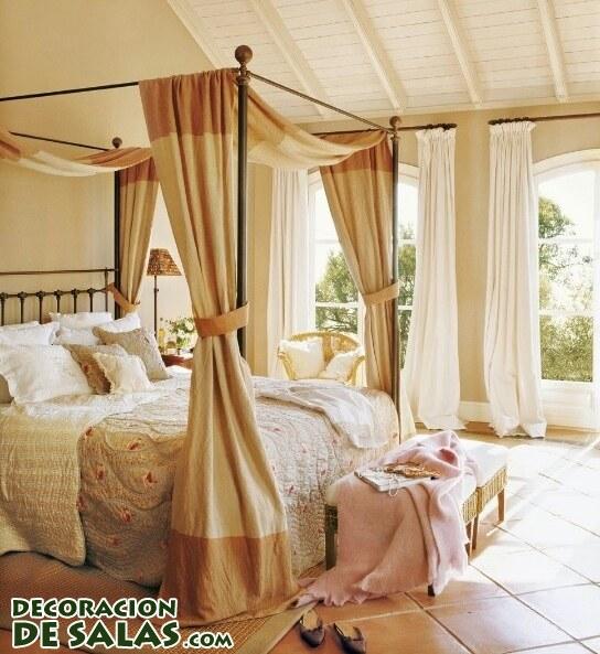 Habitaciones elegantes y camas con dosel
