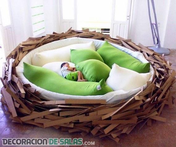 Cama con forma de nido