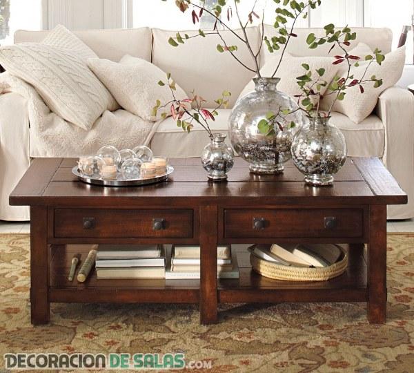 Ideas de centros de mesa para tu sal n decoraci n de salas - Jarrones plateados ...