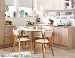 Cocinas y comedores juntos en espacios pequeños