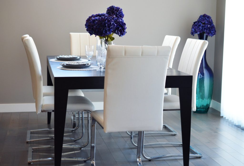 Comedor sillas en blanco