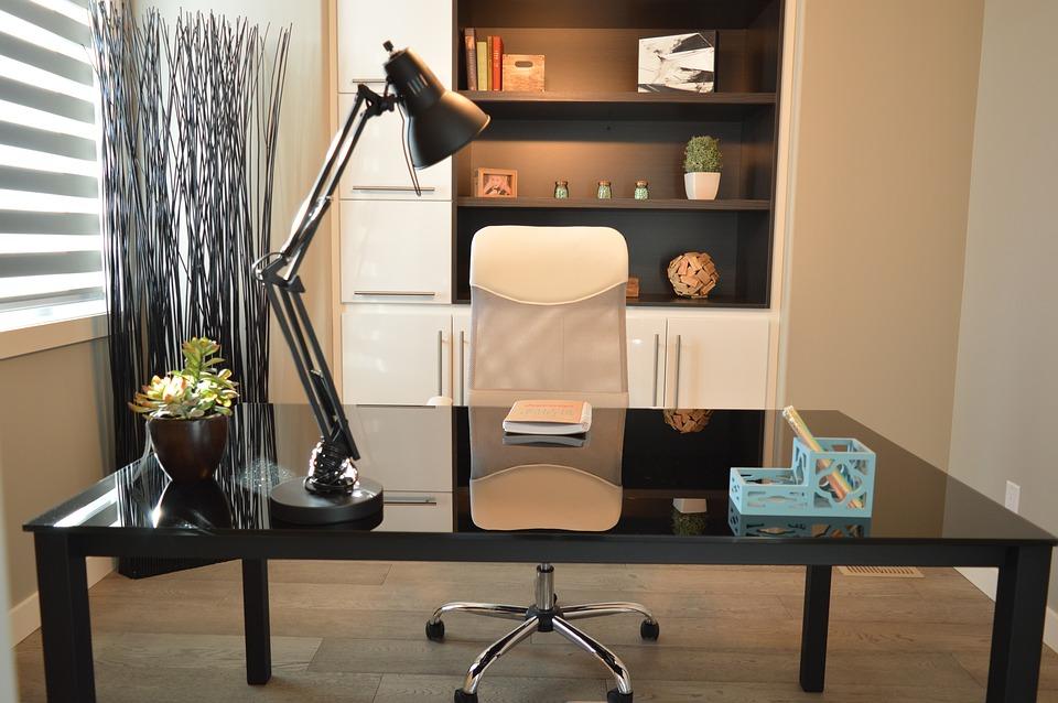 Cómo ordenar y decorar una oficina en casa