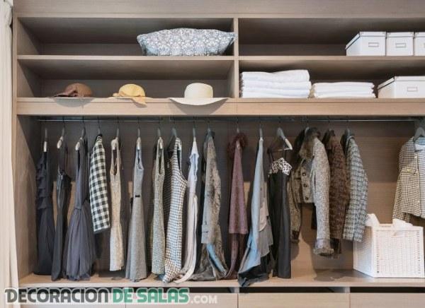 Consejos para evitar la humedad en el armario