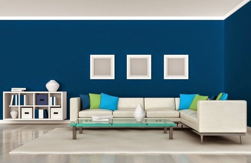 Salones en color azul, el color que está más de moda este 2019.