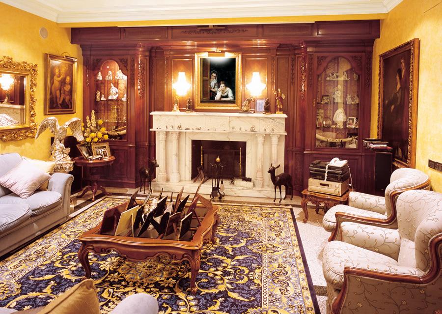 Salón clásico dorado