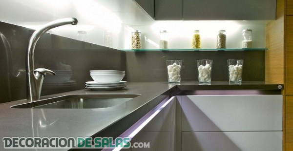 Los mejores materiales para tu frente de cocina