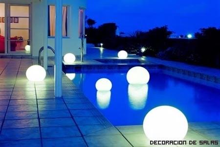 Ilumina la piscina