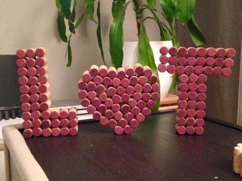 letras con corchos de botella