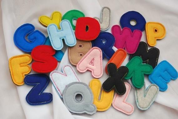 letras fieltro decoración