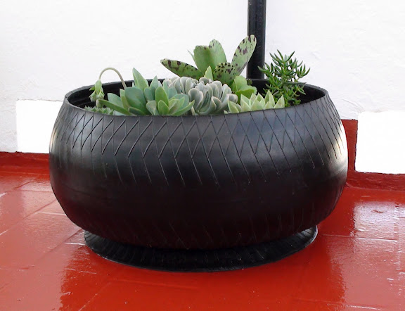 neumáticos reciclados como macetas