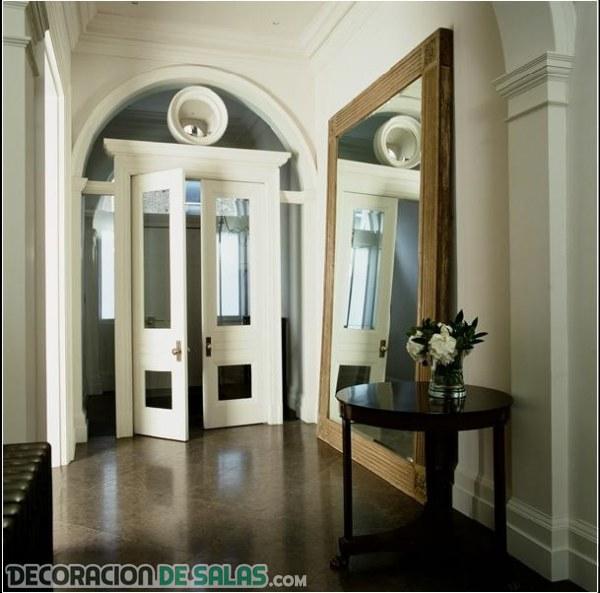 Abre la puerta a los recibidores sencillos