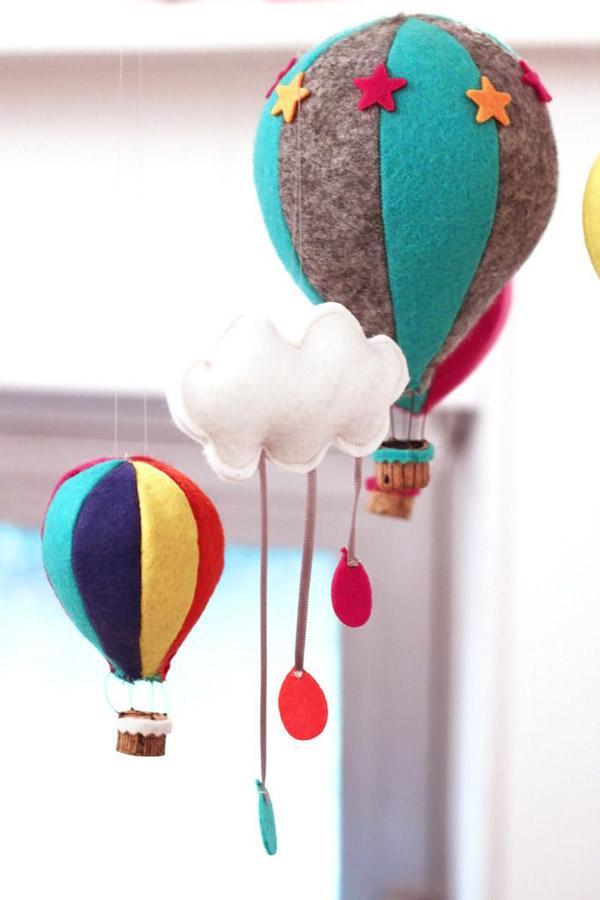 móvil colgante bebes globos y nubes