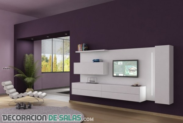 Salones con televisión anclada en la pared