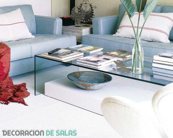 Salones sofisticados con mesas de cristal