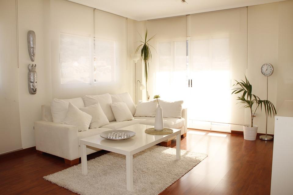 decoración paredes blancas